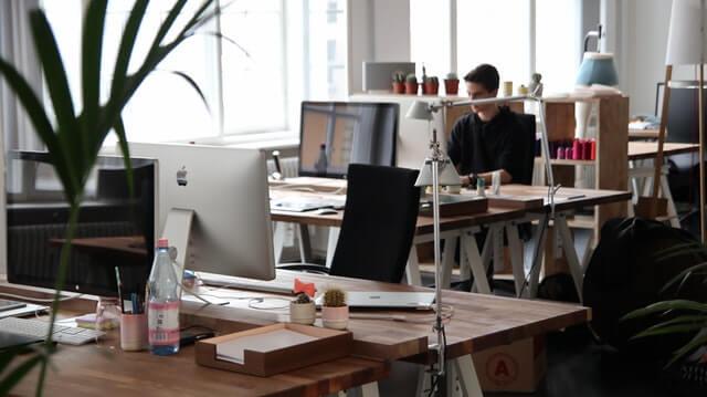 design studio - 20 local shops that will kickstart your screen printing business